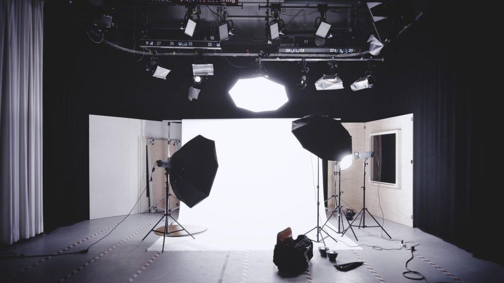 Harga Foto di Studio - Shaniba Creative Industry