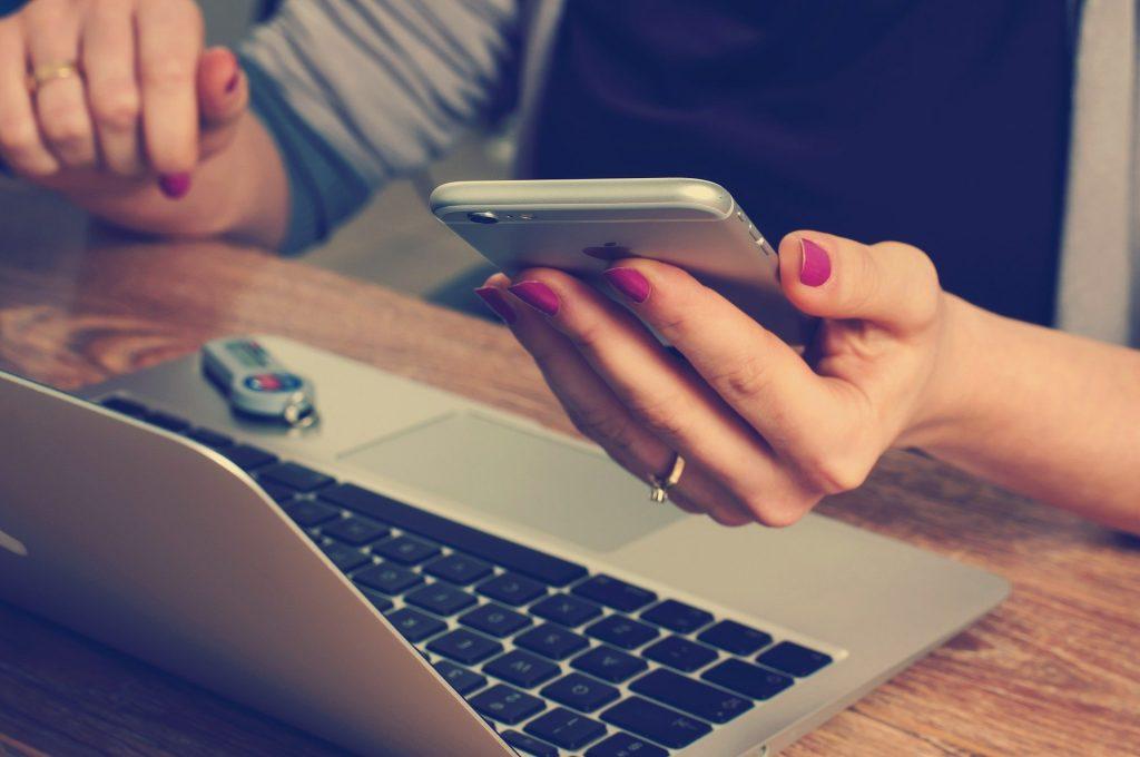 Media Sosial untuk Profesional - Shaniba Creative Industry
