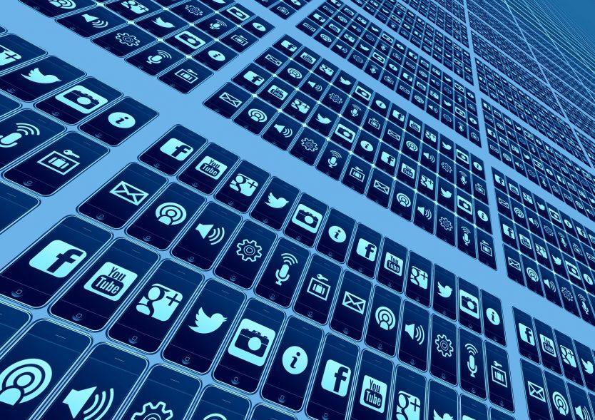 Peluang Usaha di Media Sosial - Shaniba Creative Industry