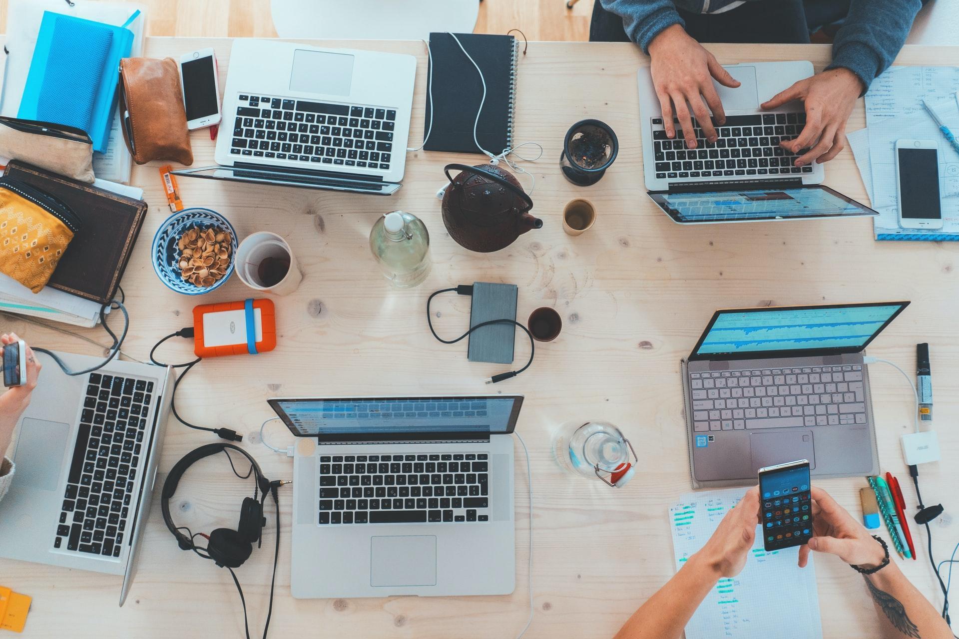Memulai Usaha di Media Sosial - Shaniba Creative Industry