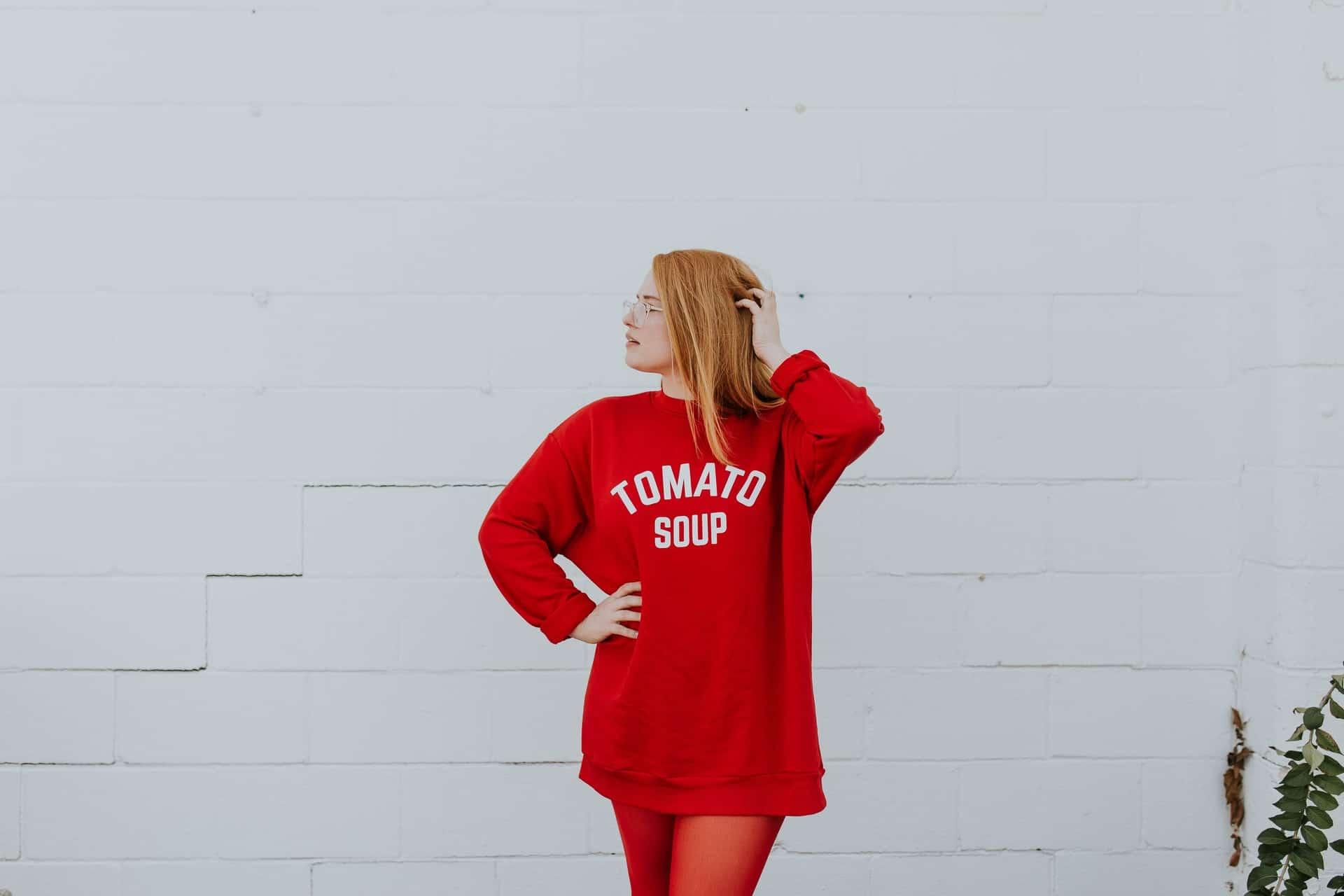 Menggunakan Model untuk Foto Produk Fashion - Shaniba Creative Industry Studio Fotografi Foto Produk, Foto Profil Bisnis, dan Editing Foto High End Retouching