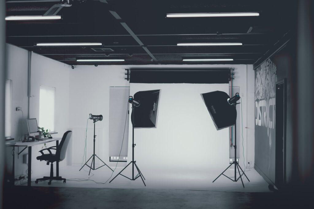 Membuat Foto Produk Bagus di Studio Fotografi yang Tepat